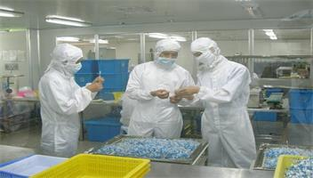 The Development of the Disposable Gloves
